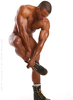 Latin muscle god Rico shows his ripped body and sexy butt