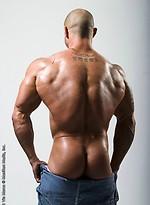 Bald muscle man Vin naked